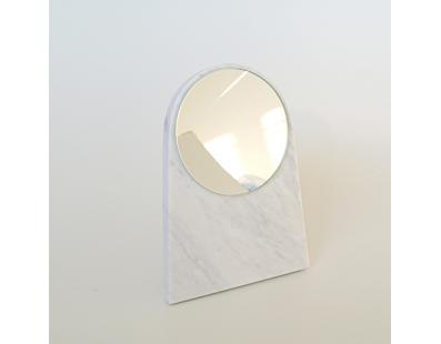 Spejlet Moon carrara marmor